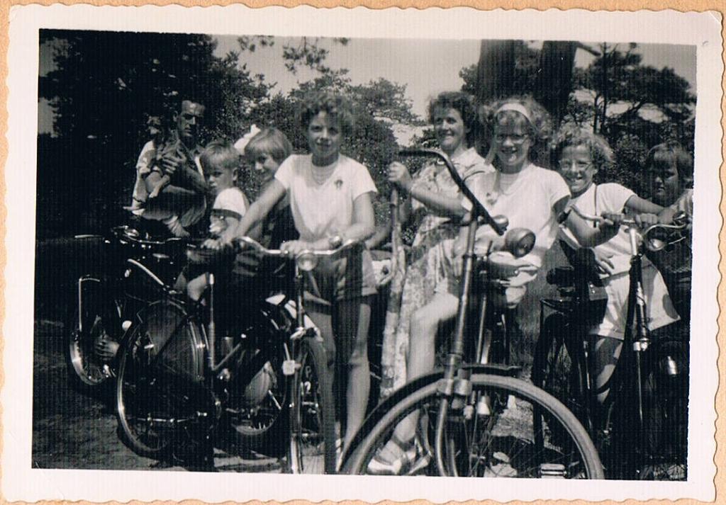 Hwijk_1955_Verscholen_Dorp